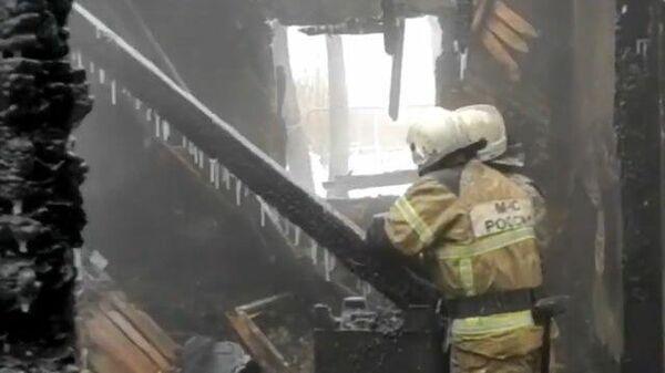 Следственные действия на места пожара в доме в Томской области