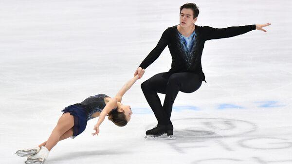 Российские фигуристы Денис Ходыкин и Дарья Павлюченко