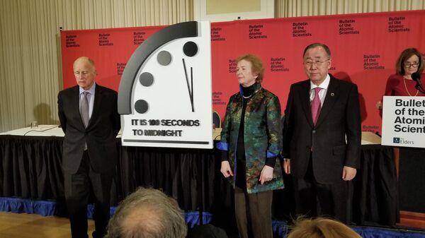 Экс-генсек ООН Пан Ги Мун принял участие в церемонии демонстрации нового времени на часах Судного дня