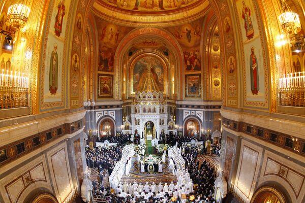 В храме Христа Спасителя началось отпевание патриарха Алексия II