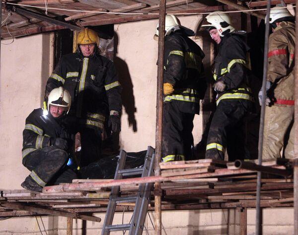 Строительные леса обрушились на северо-западе Москвы, 7 человек ранены