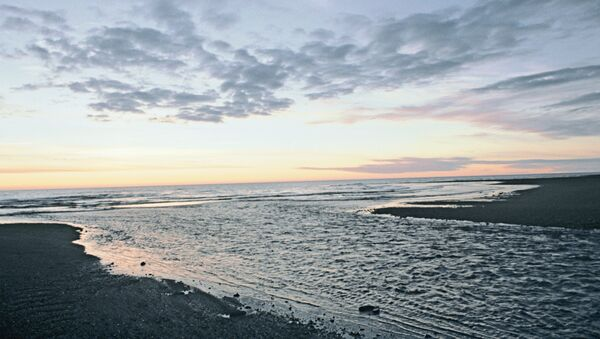Закат на побережье Охотского моря. Архив