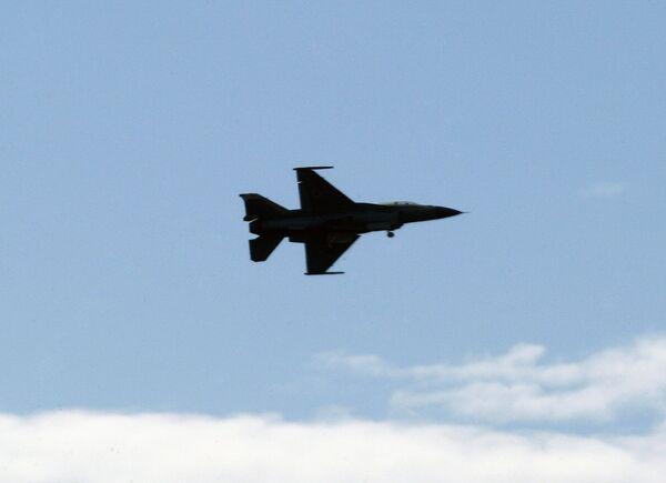 Израильский самолет F-16, проводивший бомбардировки в секторе Газа