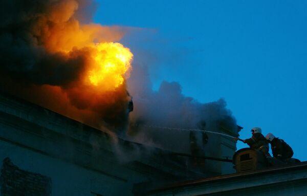 Пожар в здании РЖД в Москве локализован - МЧС
