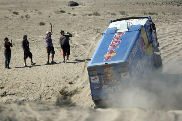 Фирдаус Кабиров (КАМАЗ) на девятом этапе Дакар-2009