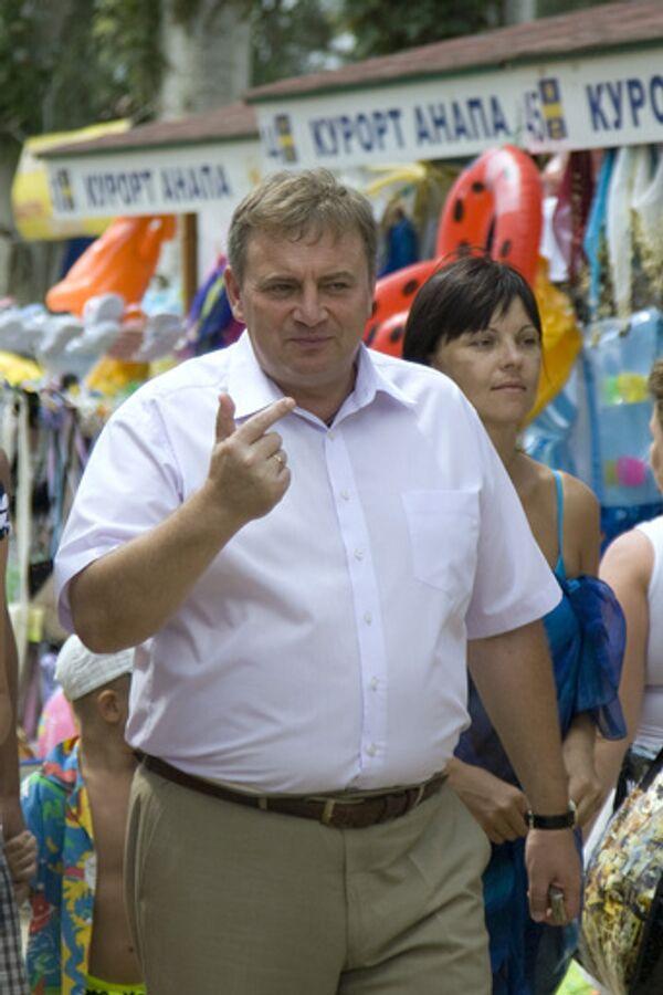 На выборах в Сочи обработано 10% бюллетеней, лидирует Пахомов