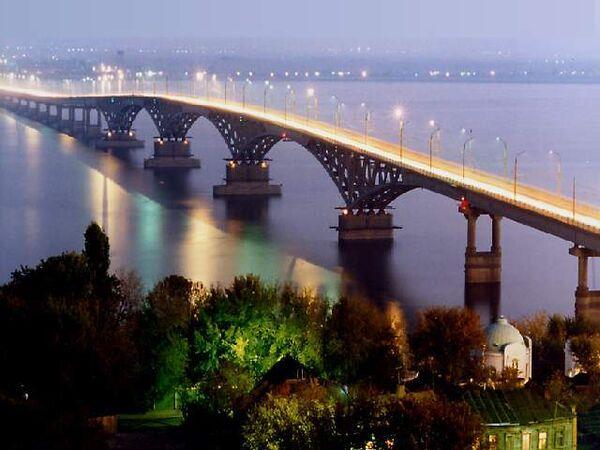 Мост через Волгу в Саратове