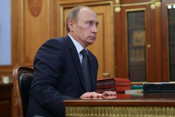 Права человека в РФ нужно обсуждать без отрыва от аналогичной проблемы в Европе - Путин