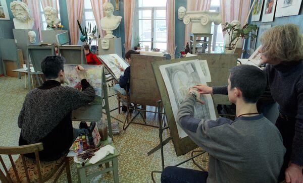 Медведев подписал указ о господдержке ряда вузов в сфере искусства