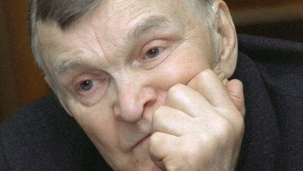 Юрий Бондарев, архивное фото