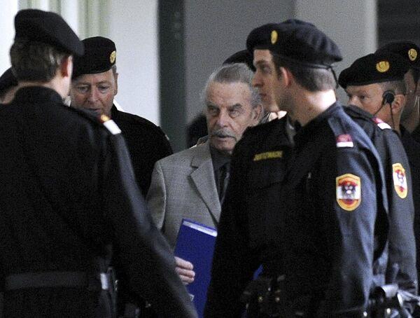 Австрийский маньяк Фритцль приговорен к пожизненному заключению