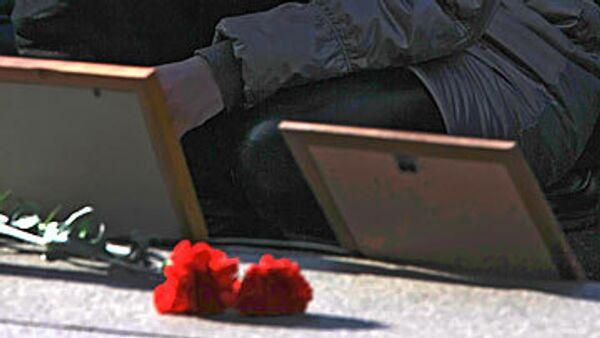 Похороны погибших в давке на дискотеке начались в Первоуральске