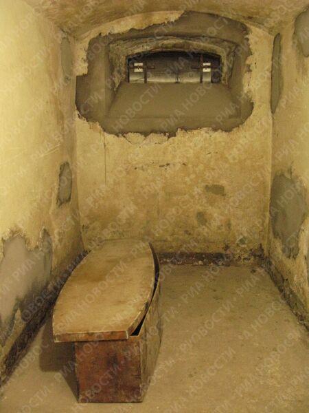 За историю существования тюрьмы 17 узников были приговорены к повешению, гробы с их останками были обнаружены вдоль стен тюрьмы