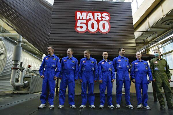 Начался эксперимент по имитации пилотируемого полета на Марс в рамках уникального международного проекта Марс-500