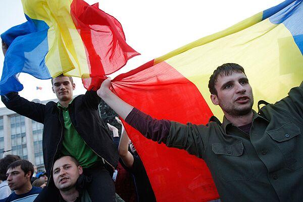 МИД РФ встревожен появлением румынских флагов в Кишиневе