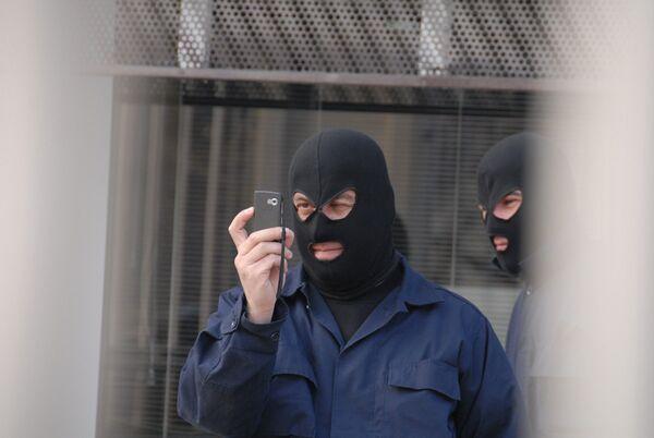 Общее количество сотовых абонентов по числу проданных SIM-карт на 31 декабря 2010 года в России составило 219,3 млн человек