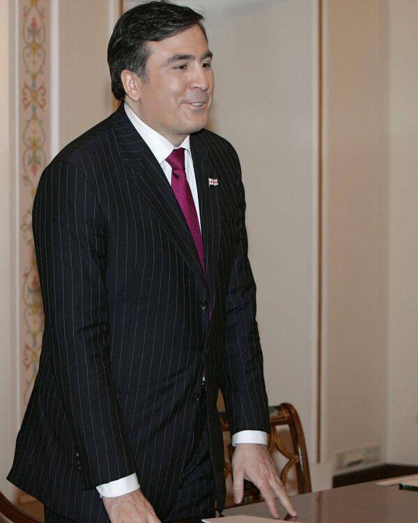 Диалог с Саакашвили продолжится, но на фоне акций протеста - оппозиция