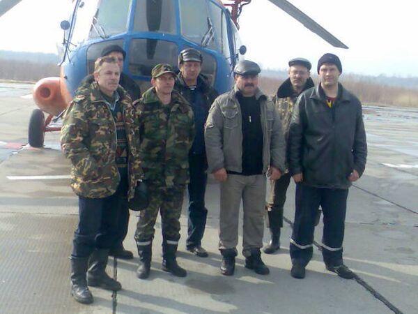 Фото членов экипажа и пассажиров вертолета Ми-2, потерпевшего крушение 22 апреля в Томской области