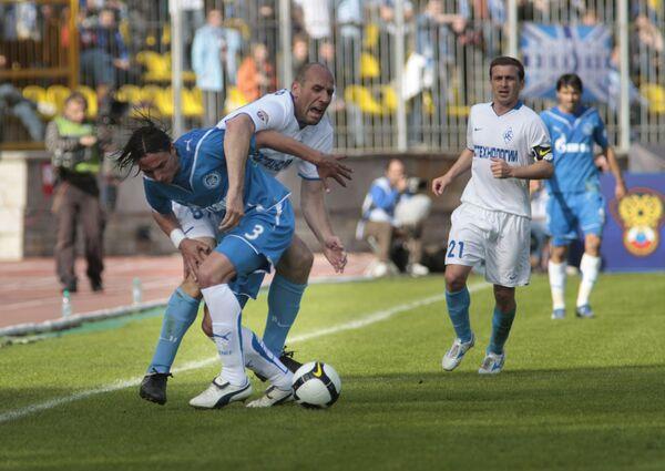 Ян Коллер (в белом) и Фернандо Мейра (в синем)