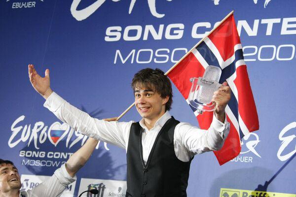 Победитель конкурса Евровидение-2009 Александр Рыбак в СК Олимпийский