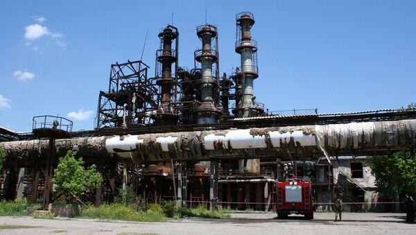 Последствия пожара на каучуковом заводе Наирит в Ереване