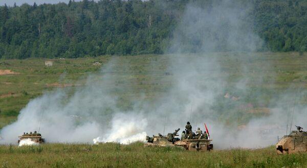 По сообщению очевидцев в районе инцидента с узбекской стороны замечены танки и другая техника.
