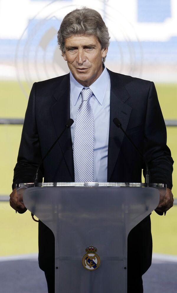 Новый главный тренер Реала Мануэль Пеллегрини на пресс-конференции