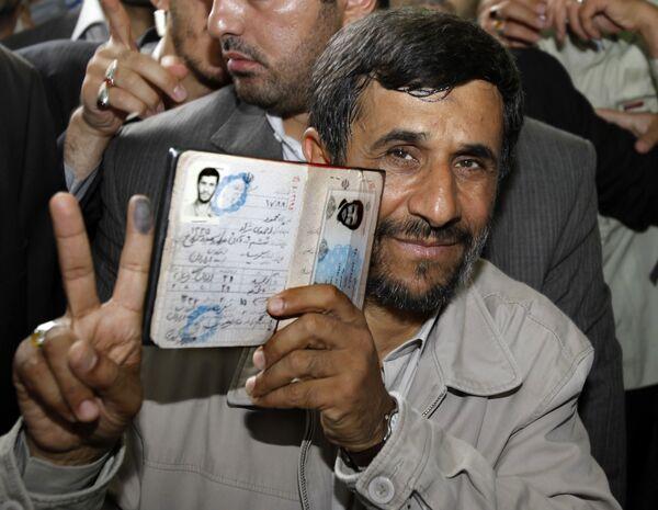 Ахмадинежад считает прошедшие в Иране выборы абсолютно свободными