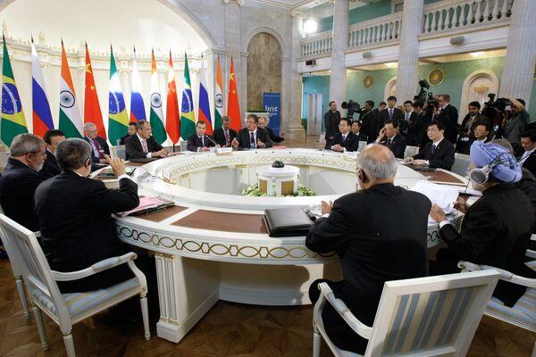 Встреча лидеров Бразилии, России, Индии и Китая (БРИК) в расширенном составе. Архив