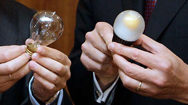 Медведев предлагает наметить график отказа от ламп накаливания