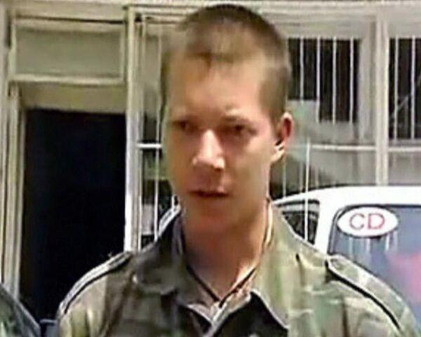 Семья Артемьева замолчала после визита неизвестного в военной форме