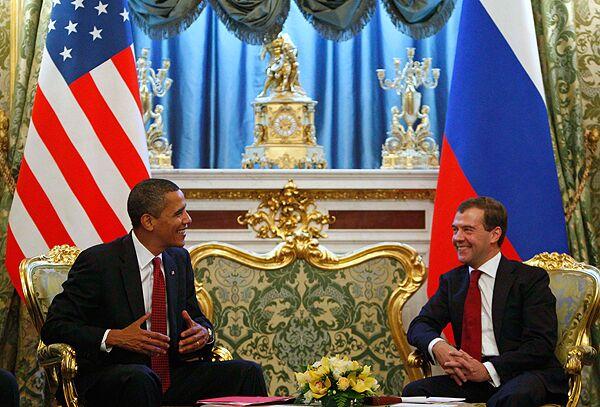 Медведев передал Обаме несколько исторических документов