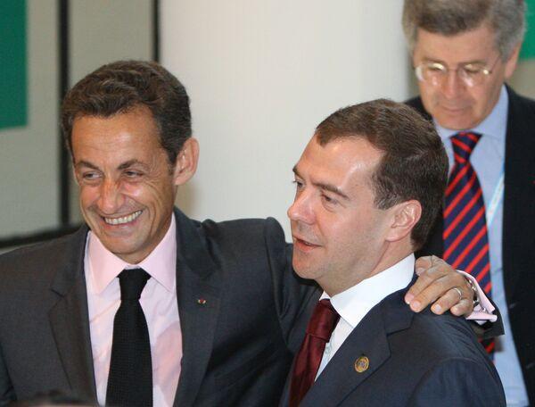 ДмиПрезидент России Дмитрий Медведев и президент Франции Николя Саркози