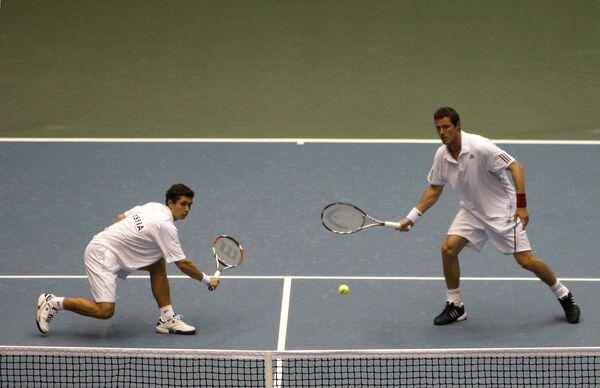 Марат Сафин и Игорь Куницын в четвертьфинальном матче Кубка Дэвиса.