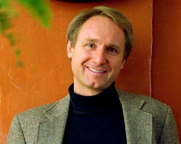Писатель Дэн Браун
