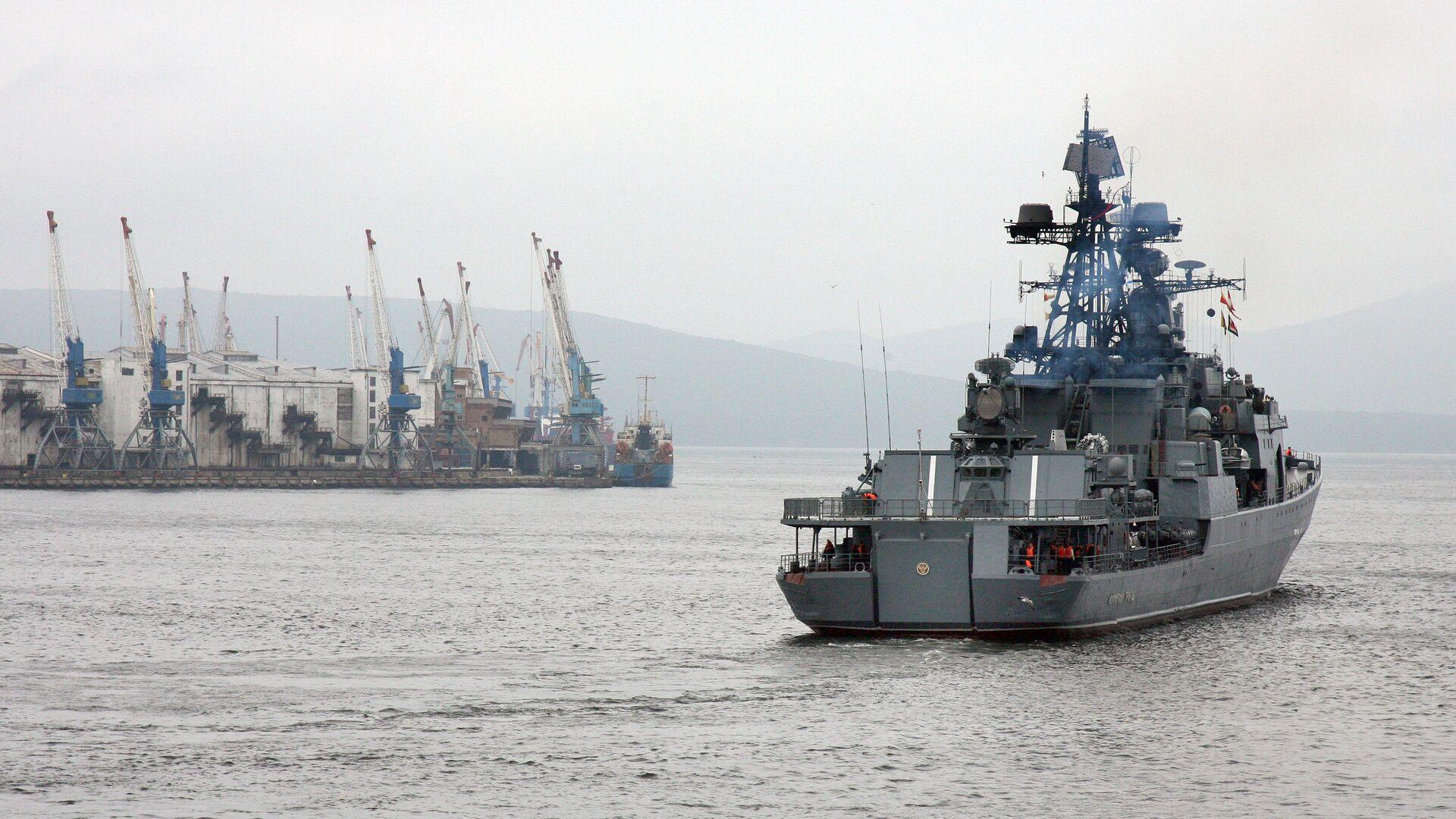 Во Владивостоке прошли проводы отряда кораблей Тихоокеанского флота РФ в Аденский залив - РИА Новости, 1920, 14.05.2021