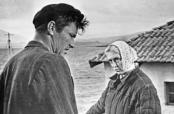 Кадр из кинофильма Мальчик у моря