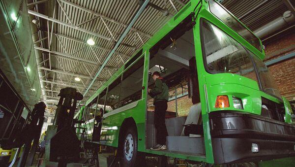 Производство автобусов, архивное фото