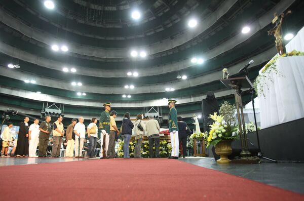 Прощание с экс-президентом Филиппин Корасон Акино