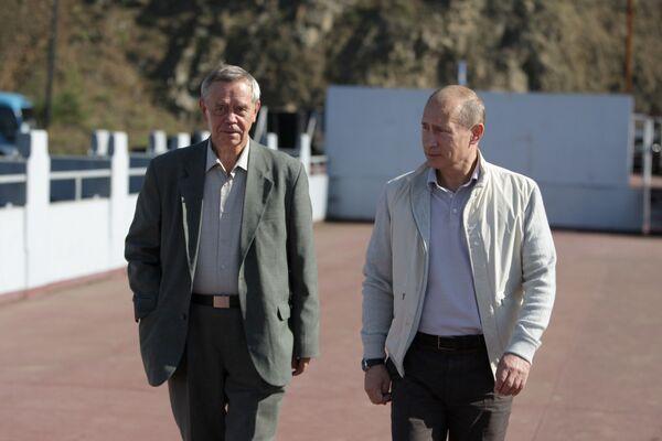 Премьер-министр РФ Владимир Путин встретился с писателем Валентином Распутиным
