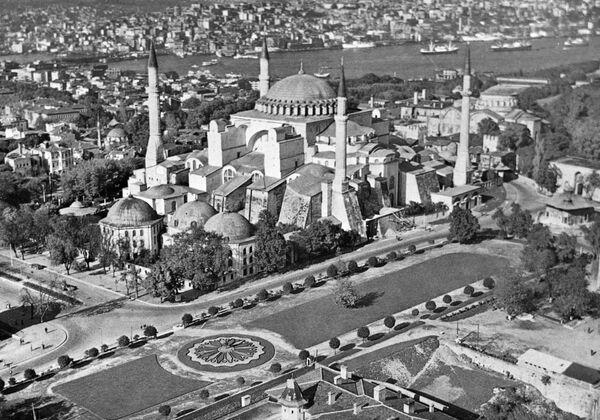 Мечеть Айя-София (бывший православный храм Святая София) в Стамбуле