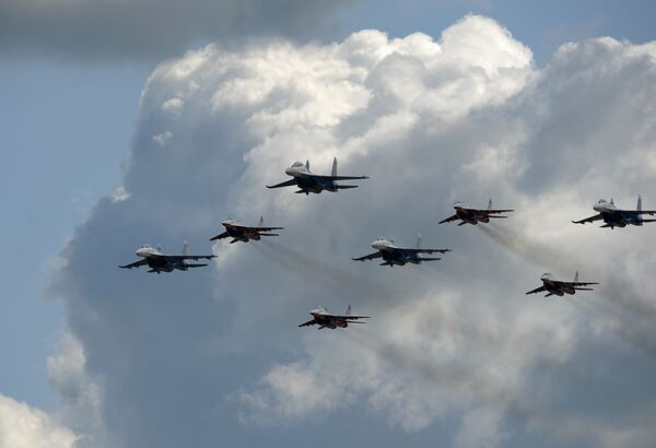 Тренировочные полеты в Жуковском в преддверии открытия МАКС-2009