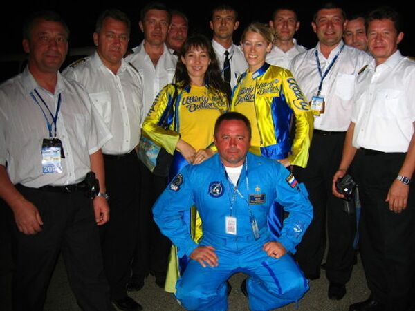 Игорь Ткаченко (в центре)