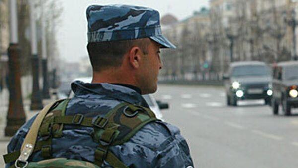 Один милиционер погиб, 12 ранены при взрыве в Чечне