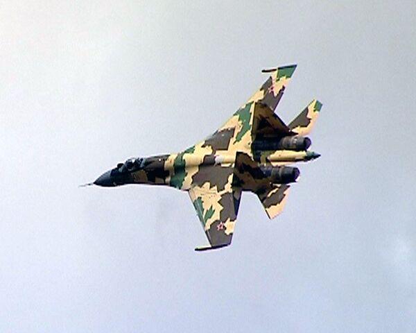 Новейший истребитель Су-35 атакует восемь целей одновременно
