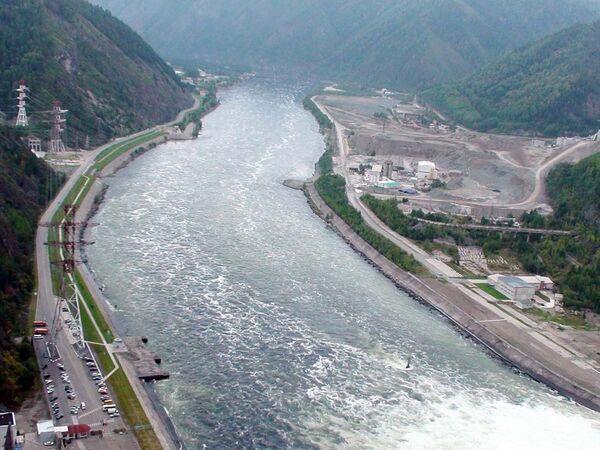 Река Енисей. Саяно-Шушенская ГЭС. Архив