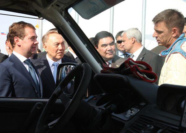 Президенты России, Казахстана,Туркмении Дмитрий Медведев, Нурсултан Назарбаев, Гурбангулы Бердымухамедов