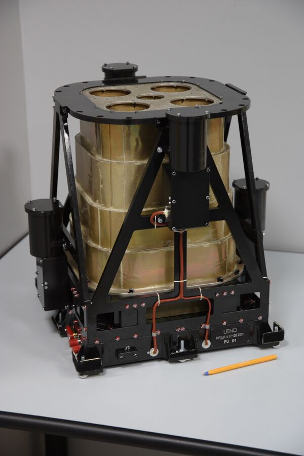 Российский прибор ЛЕНД - нейтронный детектор для обнаружения воды на Луны