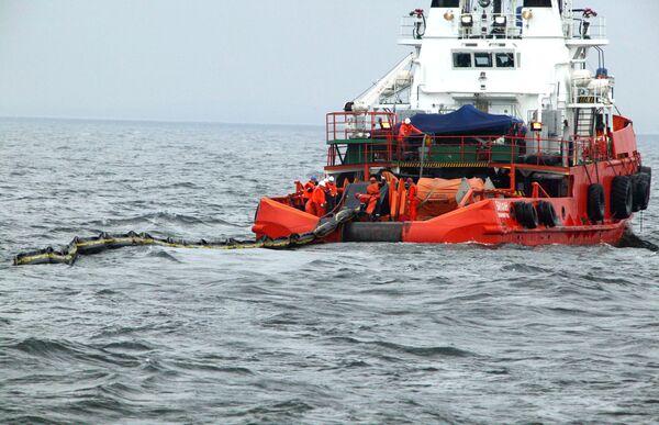 Ветер и волны помешали спасателям искать затонувшее на Таймыре судно