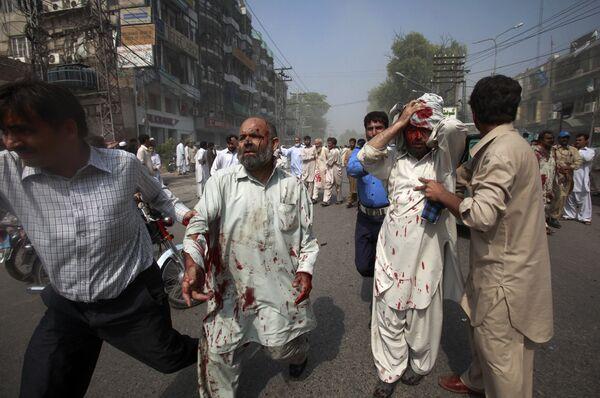 Жертвы взрыва террориста-смертника в Пешаваре